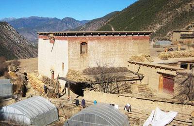 2016年西藏自治区昌都市实行市级领导同志分片督导 全面抓好维稳和扶贫工作