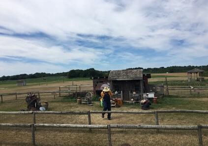 看美国农业社会服务体系:一个家庭农场种万亩地