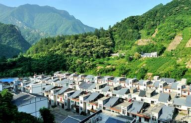 重庆黔江区高山生态扶贫搬迁:从山沟到社区 让农民过上新生活
