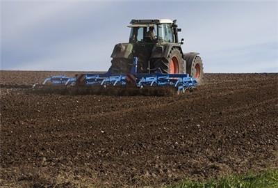 2017年天祝县农机深松整地作业补贴试点工作
