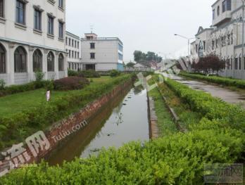 泰州姜堰区133亩教育用地及地面建筑12000平米转让