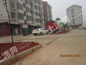 临吉星大道与乐坪大道层高4米4个新双门面出租可大货车出进