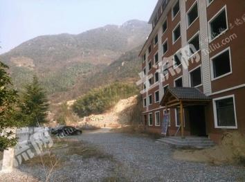 杭州天目山脚风景区内己建占地8亩养生苑