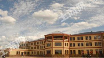 承德围场300亩土地转让建有经营中酒店